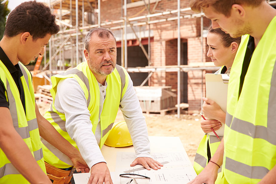 Households more likely to hire builders who employ apprentices